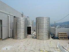 广州速尔物流15吨浩通空气能热泵热水工程安装现场