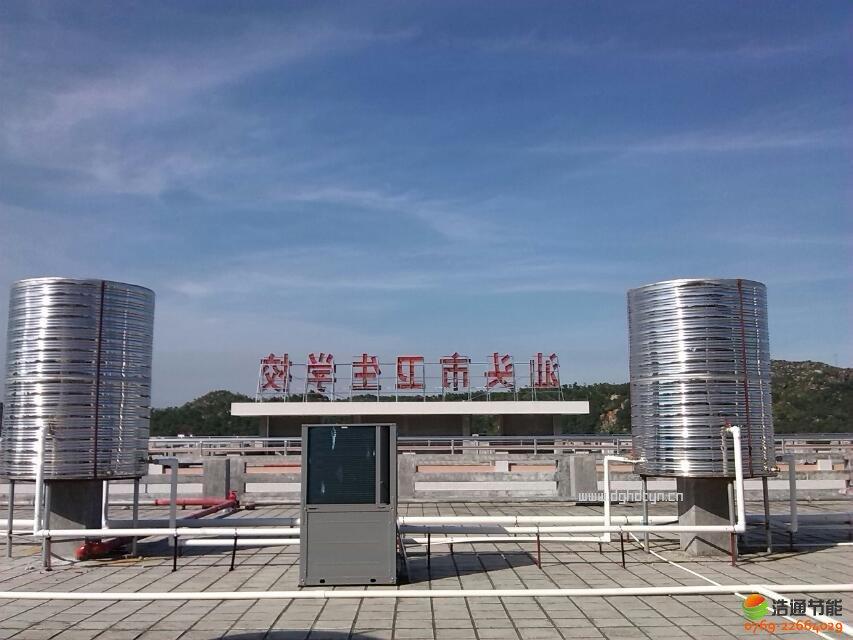 太阳能热水工程在3000人学校公共浴室的应用方案设计实例