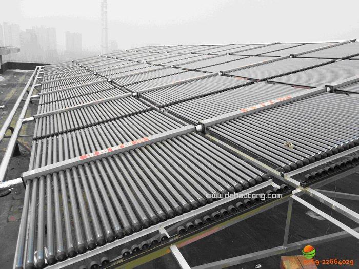 东莞市第一中学太阳能热水工程系统南楼太阳能集热器安装图